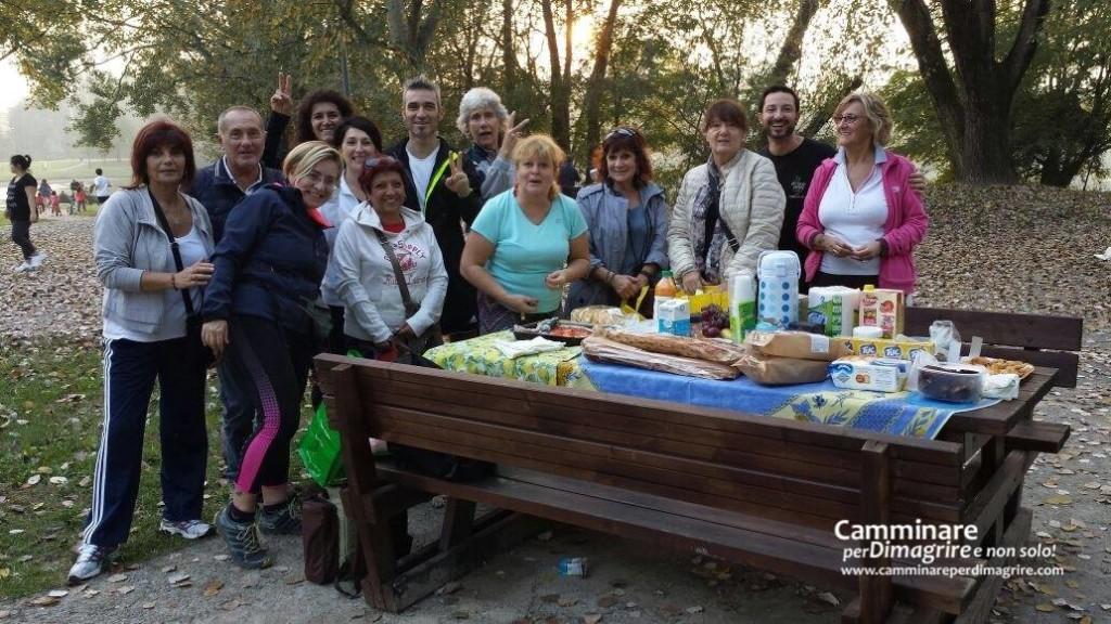 L'allegro gruppo del Parco delle Cave: dopo la camminata, la merenda!